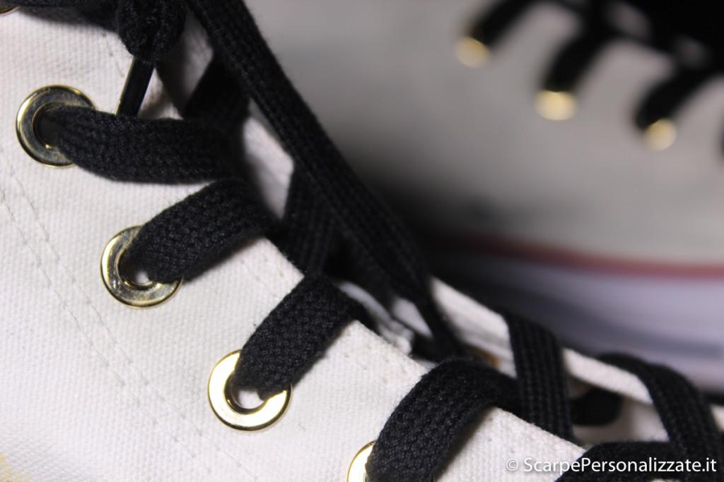 converse-personalizzate-maschera-antigas-e-teschio-occhielli-borchia-oro-6